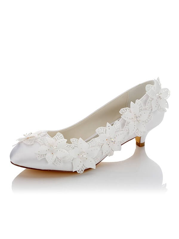 Silkesateng PU Closed Toe Spool Heel Wedding Shoes