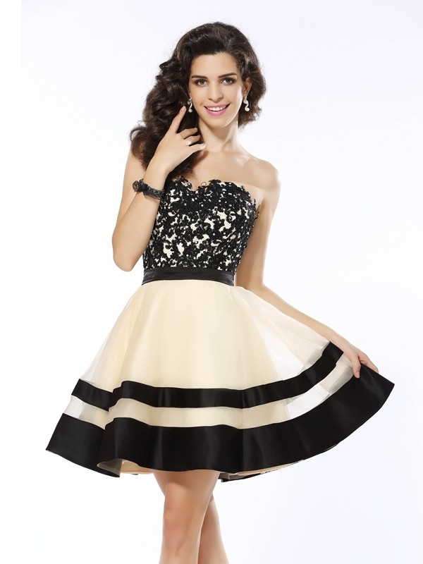 Organza Sweetheart Kort/Mini Svart Homecoming Kjoler