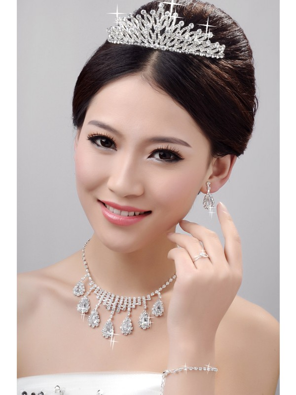 Awesome Alloy Clear Krystalls Wedding Party Earrings Set
